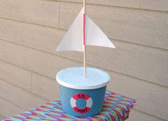 Margarine Tub Boat Craft: Classic Crafts for Kids - Kids Crafts, Boat Crafts, Summer Crafts, Toddler Crafts, Crafts To Make, Arts And Crafts, Blog Da Tia Ale, Sailing Theme, Creative Teaching