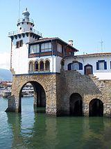 Vizcaya Guecho - Casa de Náufragos y Faro de Arriluze.