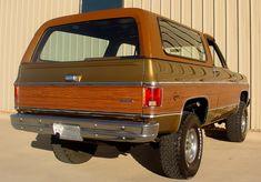 1975 Chevrolet Blazer Maintenance/restoration of old/vintage vehicles: the… Jeep 4x4, Lifted Chevy Trucks, Ford Trucks, Chevrolet Trucks, General Motors, Broncos, Classic Trucks, Classic Cars, Chevy Blazer K5