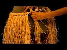 Iorana! Aquí les dejamos el primer tutorial realizado por el grupo Tahonga - Danzas polinesias Tutorial: ¿Cómo hacer una falda de rafia o falda polinésica? M...