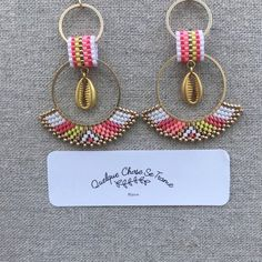 Beaded Earrings Patterns, Seed Bead Patterns, Bead Earrings, Bead Jewellery, Beaded Jewelry, Beaded Bracelets, Brick Stitch Earrings, Beadwork Designs, Beaded Crafts