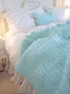 Shabby Cottage Chic Dreamy Mint Green Ruffles Rag Quilt with so much Vintage Charm for your Shabby Chic Home Cottage Living Beach House Linens Full Queen Quilt Cottage Chic, Romantic Cottage, Shabby Cottage, Ruffle Quilt, Ruffle Bedding, White Bedding, Aqua Quilt, Rag Quilt, Ruffle Blanket