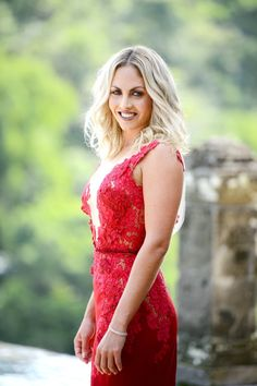 Nikki Gogan, the Bachelor, style