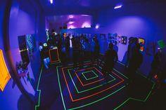 Una exposición de arte con luz negra | The Creators Project Neon Party, Light Installation, Reggio Emilia, Learn To Love, Animation, The Darkest, Pop Art, Places To Visit, In This Moment