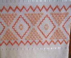 Palacio Bargello, Cross Stitch Embroidery, Hand Embroidery, Swedish Weaving, Straight Stitch, Weaving Patterns, Needle And Thread, Handicraft, Needlepoint