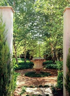 Urns make a wonderful focal point in a garden and you mostly see them in formal garden settings where they instantly grab your attention.