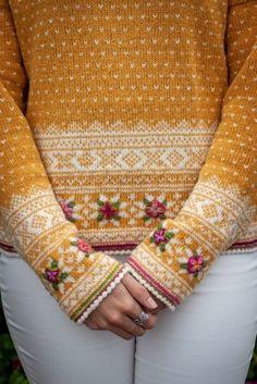 Fair Isle Knitting Patterns, Fair Isle Pattern, Knit Patterns, Pull Jacquard, Fair Isles, Hand Dyed Yarn, Knitting Projects, Pulls, Knit Crochet