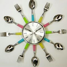 Clock Ideas, Tableware, Metal, Gabriel, Creative Ideas, Creativity, Wall Clocks, Alcohol Dispenser, Iron