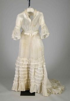 Morning dress via Costume Institute Medium: Cotton Brooklyn Museum Costume Collection at The Metropolitan Museum of Art, Gift of the Brooklyn Museum, 2009; Gift of Hilda Loines, 1945 Metropolitan Museum of Art, New York, NY
