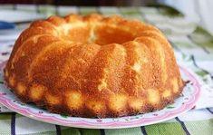"""""""Mannik"""" este un desert tradițional rusesc pe care îl puteți pregăti la orice ocazie. Checul cu griș și brânză are un gust interesant, se simte foarte bine atât gustul de griș, cât și cel de brânză. Această prăjitură are o textură poroasă, este dens și moale, se prepară foarte simplu. Îl puteți servi cu sos … Bulgarian Recipes, Russian Recipes, No Bake Desserts, Delicious Desserts, Semolina Cake, Queso Fresco, Sweet Pie, Pastry Cake, Eat Dessert First"""