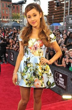 Ariana Grande your gorgeous :) @Ariana Grande