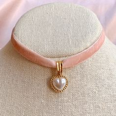 Pearl Choker, Pink And Gold, Dangles, Shabby Chic, Chokers, Beaded Bracelets, Valentines, Velvet, Pearls