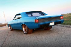 The Roadster Shop 67 Chevelle Custom Muscle Cars, Chevy Muscle Cars, Custom Cars, 1971 Chevelle, Chevrolet Chevelle, Old American Cars, Gm Car, Custom Paint Jobs, Autos