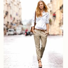 Would like a casual chino Business Outfit Frau, Business Outfits, Outfits Inspiration, Mode Inspiration, Mode Outfits, Casual Outfits, Fashion Outfits, Unique Outfits, Beige Pants Outfit