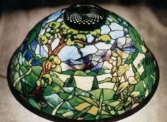 Stained Glass Lamp Shades, Types Of Craft, Lampshades, Fused Glass, Window Treatments, Tiffany, Glass Art, Christmas Bulbs, Patterns
