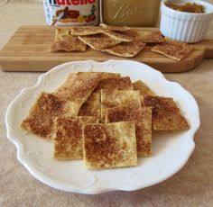 Cinnamon and Sugar Lavash Chips These come out of the oven crisp and sweet, and last for days in a sandwich baggie. Try with coconut oil and stevia or agave. Low Carb Biscuit, Low Carb Bread, Keto Bread, Lavash Bread Recipe, Low Carb Recipes, Snack Recipes, Tasty Kitchen, Healthy Desserts, Healthy Recipes