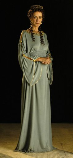Roman dress, I like it but it should be toned down A LOT and made of less luxurious fabric for myself Ancient Roman Clothing, Greek Clothing, Rome Fashion, Fashion History, Historical Costume, Historical Clothing, Rome Costume, Roman Dress, Roman Clothes