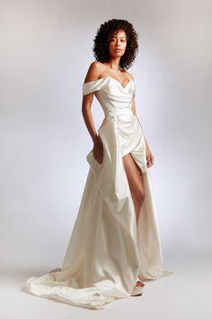 Vivienne Westwood Kleider, Vivienne Westwood Wedding Dress, Couture Mode, Style Couture, Couture Fashion, 80s Fashion, Satin Mini Dress, Taffeta Dress, Dream Wedding Dresses