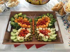 Trendy Birthday Party Snacks For Kids Veggie Tray Ideas Veggie Platters, Veggie Tray, Food Trays, Birthday Party Snacks, Birthday Dinners, Butterfly Birthday Party, Garden Birthday, Fairy Birthday, Toddler Vegetables