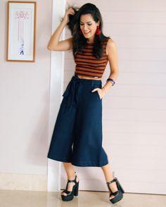 Adoroooo essa pegada moderna e urbana da @damyller assim consigo ser as duas coisas ao mesmo tempo com um look só. Amo cropped e com essa pantacourt jeans (é um jeans tão molinho que parece moletom) fica super chic! #MeuJeansDamyller #DamyllerFever by blogdamariah