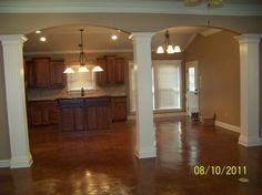 pretty kitchen/columns