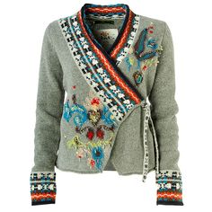 Good way to cut an old sweater - refashion inspiration Altered Couture, Cardigan Jacquard, Look Fashion, Diy Fashion, Hippie Fashion, Fashion 2020, Korean Fashion, Fashion Trends, Fashion Tips
