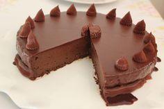 עוגת שוקולד נטו של בן עמי (הכי טעים שיש) Sweet Recipes, Cake Recipes, Dessert Recipes, Desserts, Chocolat Cake, Chocolate Deserts, Food Tasting, Food Cakes, Bundt Cakes