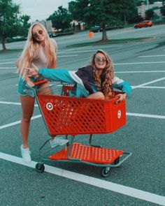 this is why we can't go shopping - this is w. this is why we can't go shopping - this is w.,Bff pics this is why we can't go shopping - this is why we can't go shopping - Bff Pics, Photos Bff, Cute Friend Pictures, Cute Photos, Cute Bestfriend Pictures, Cute Summer Pictures, Friend Picture Poses, Lit Pictures, Summer Pics