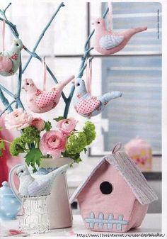 Sew decorative pendants birdies and a house made of cloth. Comments: LiveInternet – Russian Service Online Diaries Sew decorative pendants birdies and a house made of cloth. Fabric Toys, Fabric Birds, Fabric Houses, Fabric Crafts, Sewing Crafts, Sewing Projects, Projects To Try, Diy Crafts, Panduro Hobby