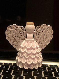 Quilled Angel Ornament por AlittleHaninHandmade en Etsy