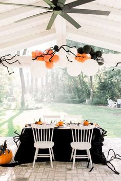 Get spooked by this wonderful Halloween cookie decorating party! The table settings are wonderful!! See more party ideas and share yours at CatchMyParty.com #catchmyparty #partyideas #halloween #halloweenparty #halloweentablesettings Halloween Table Settings, Halloween Decorations, Table Decorations, Halloween Photos, Cute Halloween, Halloween 2020, White Table Settings, Halloween Cookies Decorated, Cookie Decorating Party