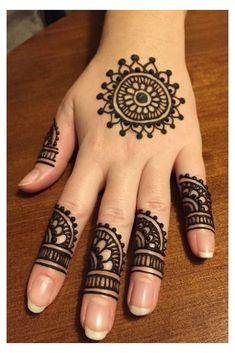 Circle Mehndi Designs, Very Simple Mehndi Designs, Mehndi Designs Front Hand, Mehndi Designs For Kids, Finger Henna Designs, Mehndi Designs Feet, Mehndi Designs For Beginners, Mehndi Simple, Mehndi Designs For Fingers
