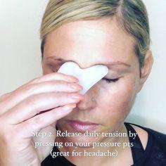Gua Sha massage with Solaris Laboratories Gua Sha. Anti aging, miracle WWW.COM . injections beauty secrets The ultimate Gua Sha facial massage Beauty Care, Beauty Skin, Health And Beauty, Beauty Hacks, Beauty Ideas, Diy Beauty, Homemade Beauty, Clean Beauty, Beauty Trends