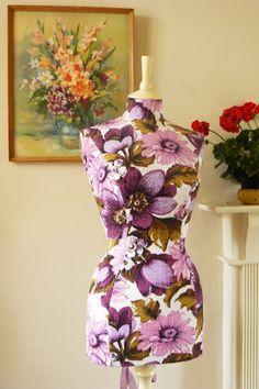 Corset Laced Mannequins: Vintage fabric heaven