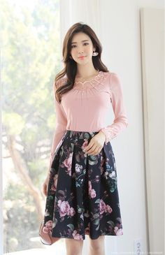 Korean Women`s Fashion Shopping Mall, Styleonme. Asian Fashion, Look Fashion, Fashion Rings, Older Women Fashion, Womens Fashion, Discount Womens Clothing, Skirt Outfits, Flare Skirt, Classy Outfits