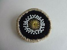 画像1: 縁どり刺繍ブローチ 6