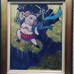 #everydayart #art #DaisukeYatsuda 八田大輔さんの作品雷神カッコいいけど間抜けでかわいい豚の雷神パークホテル東京のC-DEPOTの展示にて#雷神 #八田大輔 #1日1アート