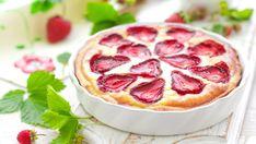 Jahodový tvarožník  | Recepty.sk Pepperoni, Baked Goods, Pizza, Baking, Food, Pastries, Basket, Recipes, Bakken