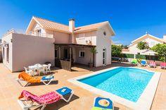 Villa Michelle, Corralejo, Fuerteventura. Find more at www.villaplus.com