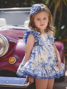 Los volantes, un 'must' para la moda infantil veraniega de este año