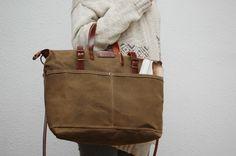 Carteras de mano - bolso de lona encerada con asas de cuero - hecho a mano por NATURAL-HERITAGE-BAGS en DaWanda