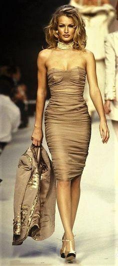 Karen Mulder - CHANEL,  Autumn-Winter 1992, Couture