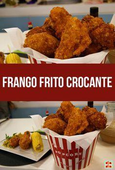 Aprenda a fazer frango frito crocante e sirva com as espigas de milho.