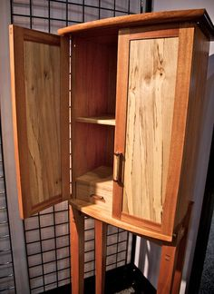 Wooden project plans,Find all sorts of free woodworking projects and how-to guides at Lee's Wood Projects.