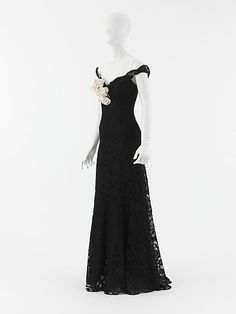 "Evening Dress, Gabrielle ""Coco"" Chanel (French, Saumur 1883–1971 Paris) for the House of Chanel (French, founded 1913): 1937-1938, French, silk, rayon, horsehair, linen."
