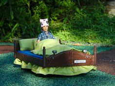 From Sleepy Time to School Time in a 3D Printed Motorized RC Bed http://3dprint.com/71664/3d-printed-motorized-rc-bed/