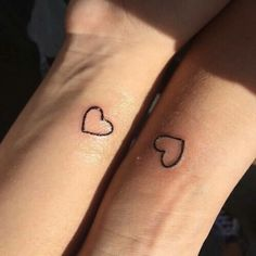 ▷ 1001 + ideas for matching couple tattoos to help you decla.- ▷ 1001 + ideas for matching couple tattoos to help you declare your love Cute matching couple tattoos to help you declare your love %%page%% – Architecture E-zine - Wrist Tattoos, Small Tattoos, Cool Tattoos, Tatoos, Heart Tattoos, Tiny Tattoo, Sister Tattoos, Friend Tattoos, Coeur Tattoo
