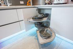 Kitchen Aid Mixer, Kitchen Appliances, Stove, Kitchen Design, Design Inspiration, Modern, Studio, Home, Diy Kitchen Appliances