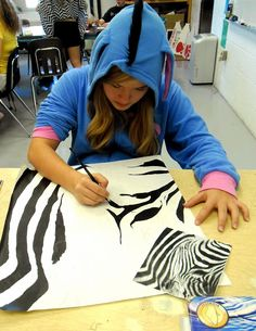 Lessons from the Art Room: Cropped Animal Portrait Paintings: Art I Middle School Art Projects, Art School, Classe D'art, 7th Grade Art, Art Curriculum, Inspiration Art, Art Lessons Elementary, High Art, Elements Of Art