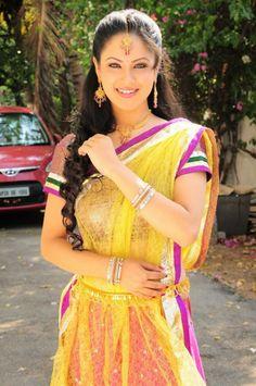 Pooja Bose Rare and Unseen Images, Pictures, Photos & Hot HD Wallpapers Beautiful Bollywood Actress, Most Beautiful Indian Actress, Shreya Saran Hot, Puja Banerjee, Anushka Shetty Saree, Pooja Chopra, Pooja Bose, Pooja Kumar, Unseen Images